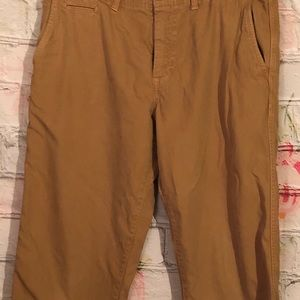 Men's American Eagle Outfitters brown jeans.